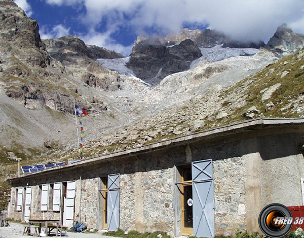 Refuge temple ecrins photo