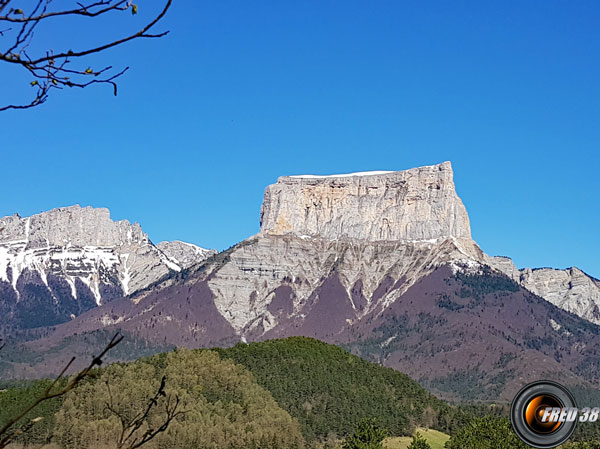 Mt-Aiguille2
