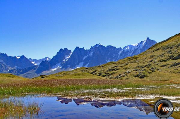 Petits lacs sous l'Aiguillette des Houches.