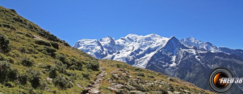 Magnifique balcon sur le Mont-Blanc.
