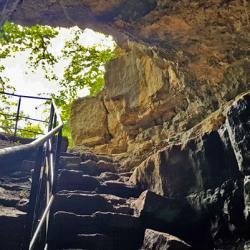 Le haut de la grotte d'Orjobet.