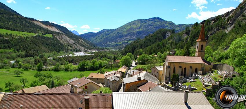 Le village de Prads Haute-Bléone
