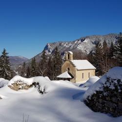 La Chapelle au milieu des ruines