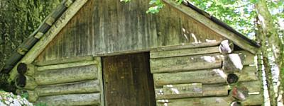 Cabane sous l aulp riant photo