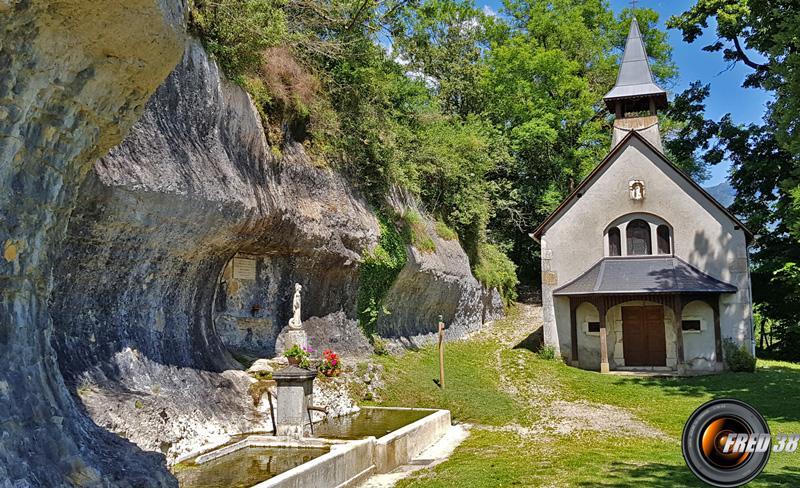 Chapelle et fontaine de la Doue.