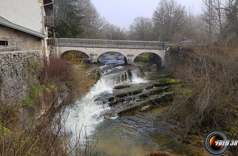 Le pont sur l'Albarine au départ.