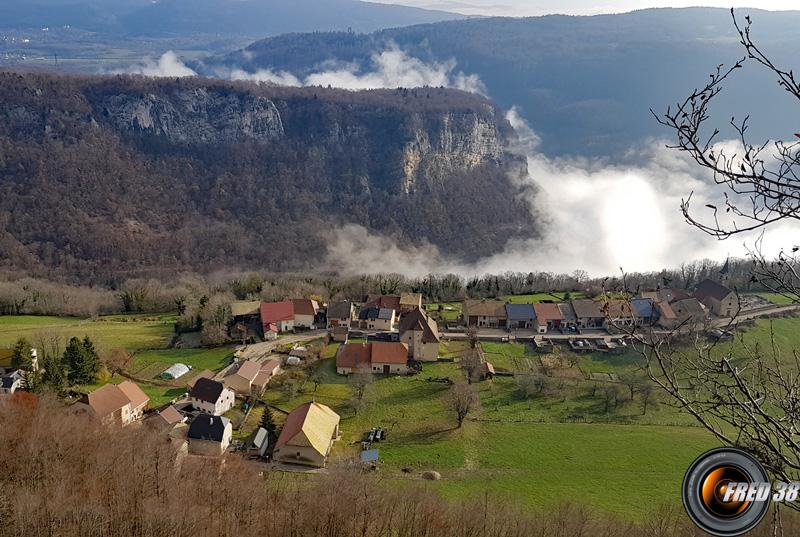 Le village de Lacoux.