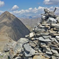 Le sommet et en fond le Grand Bérard.