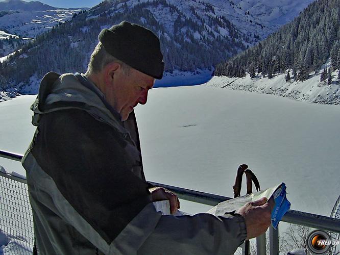 Le lac de Saint-Guérin sous la glace.