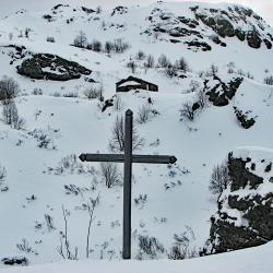La croix avant la deuxième passerelle.