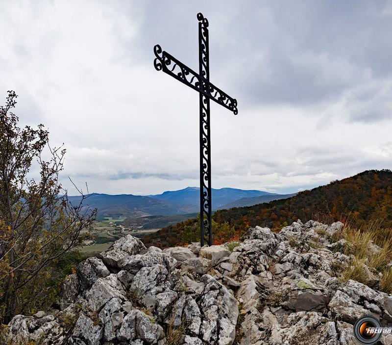 La croix du sommet.