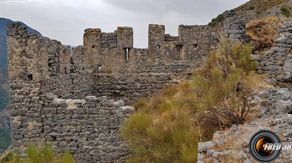 Les restes de la tour.