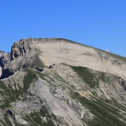 Le Grand Ferrand, le Rocher Rond et en fond le Grande Tête de l'Obiou.