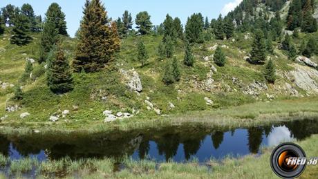 Le petit lac des Pourettes,