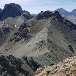 Le col vu du point côté 3056 m.
