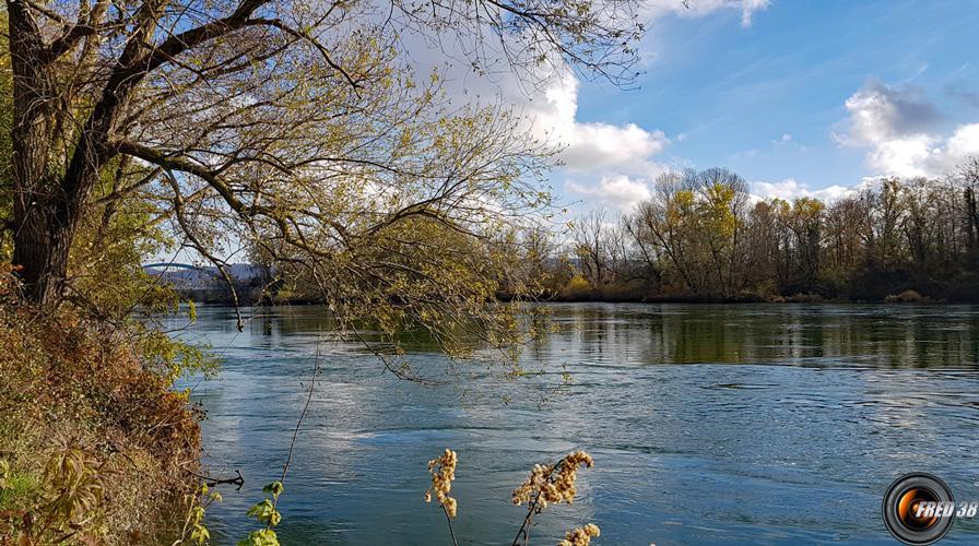 Le Rhône au départ