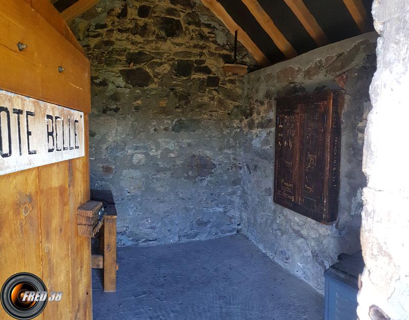 Petite pièce sans fenêtre.