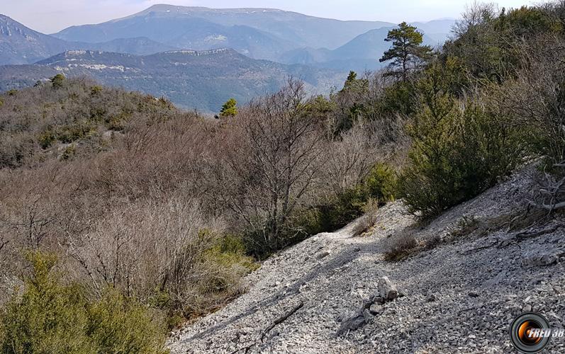 Descente vers le col de Fonturière.
