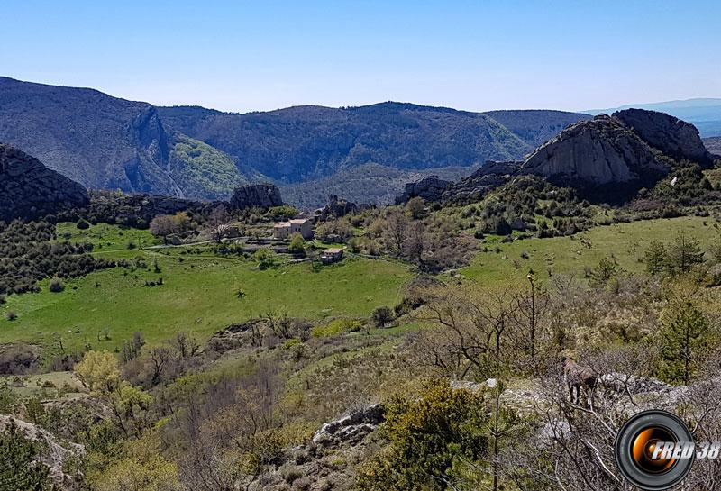 Le hameau du Poil.
