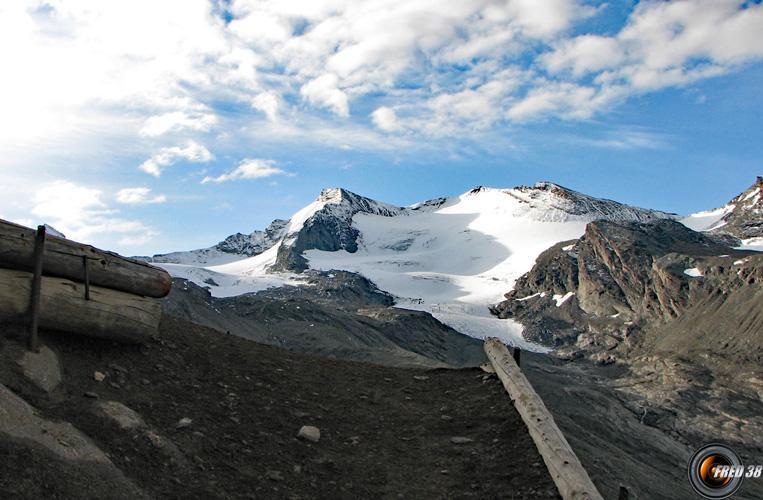 Grande Aiguille Rousse et glacier de l'Isère.