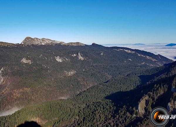 La Grande Sure et à droite le col de la Charmette.