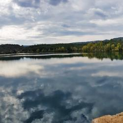 Le lac de Montpezat.