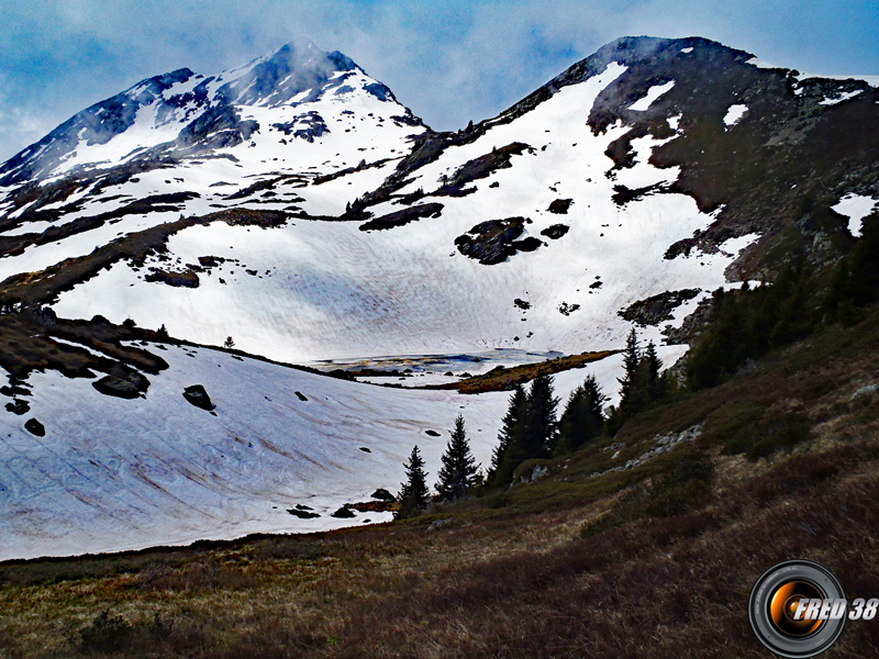 Le lac de Queige.