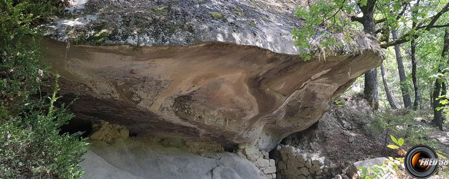 Un des abris sous roche.