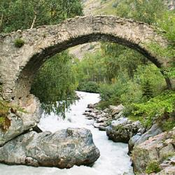 Pont des Raja.