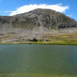 Lac et cabane de Lignin.