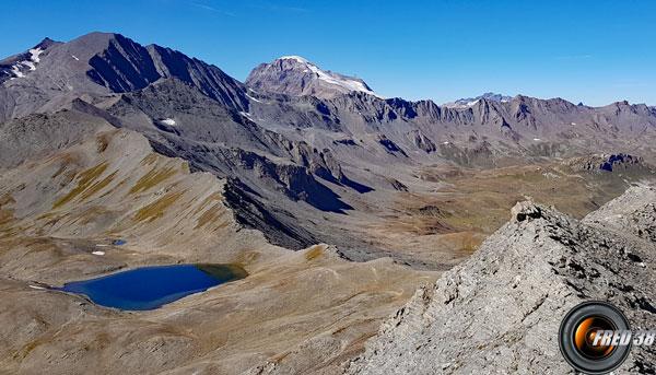 Lac vu du sommet du Pisset