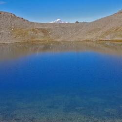 En fond le Mont-Blanc