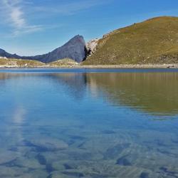 Le grand lac et en fond la Tête de Girardin.