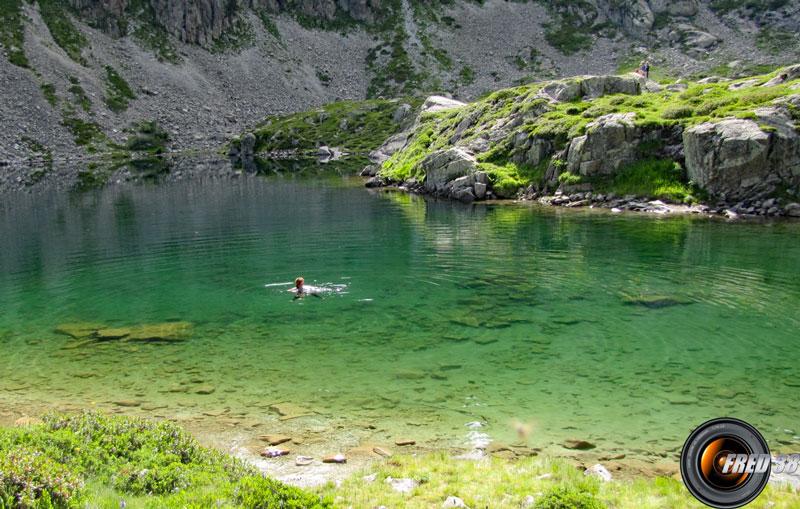 Lac chaud en été.