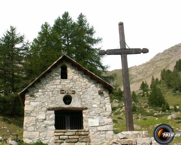 La chapelle près de la source des Séyères.