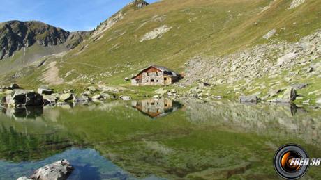 Chalet du Lac.