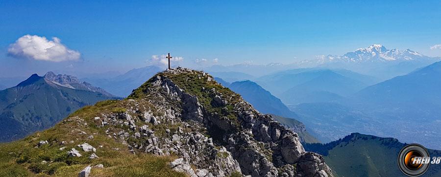 Le sommet entre la Pointe de la Sambuy et le Mont-Blanc.