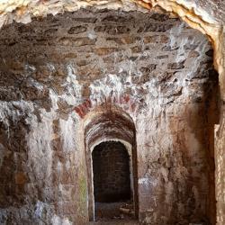 Dans les  fortifications