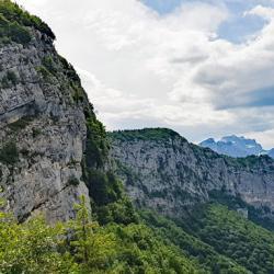 Les crêtes du Mont Veyrier.