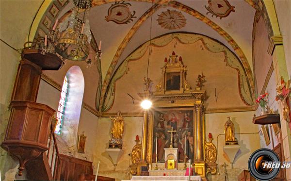 L'autel de l'église d'Argens.