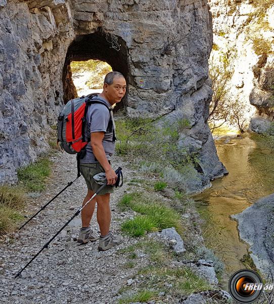 Tunnel dans les gorges du Riou.
