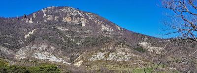 Montagne de mielandre col de blanc photo