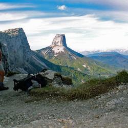 Le Mont Aiguille vu du pas de l'Aiguille.