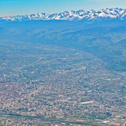 Grenoble et Belledonne vus du sommet.