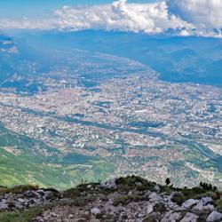 Panoramique sur Grenoble.
