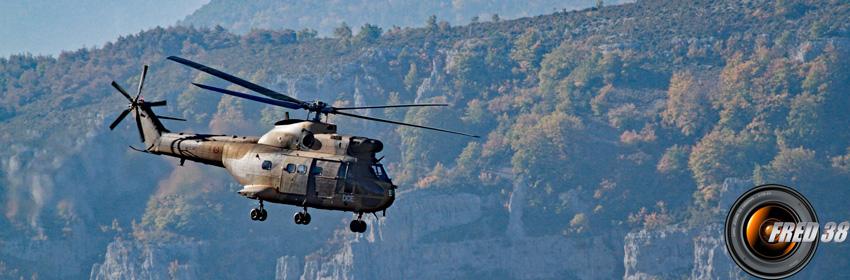 Manoeuvre d'hélicoptères de l'armée.