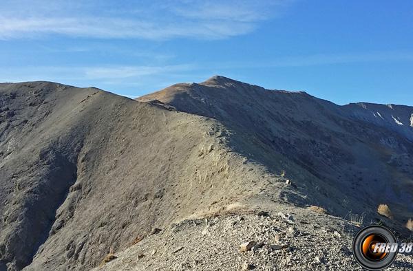 Le sommet et les crêtes lors du retour.