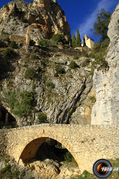 Le pont sous Notre-Dame de Beauvoir.