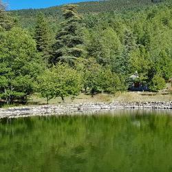 Le petit lac vers la cabane des Aubarets.