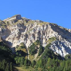 Le sommet vu en montant au refuge de la Valette.